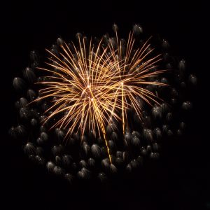 Massachusetts Fireworks: Gold with scattered diamonds