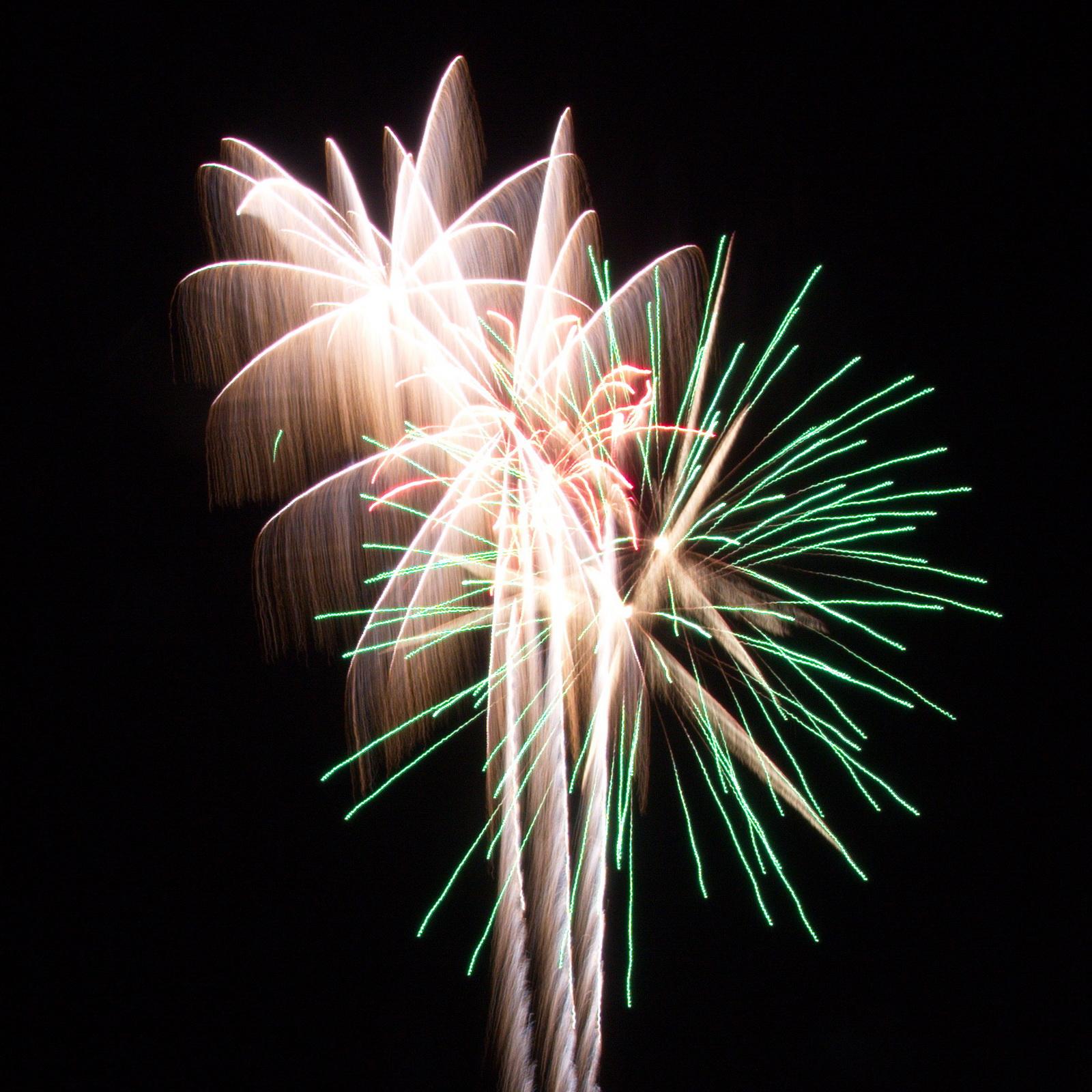 Massachusetts Fireworks: green and white