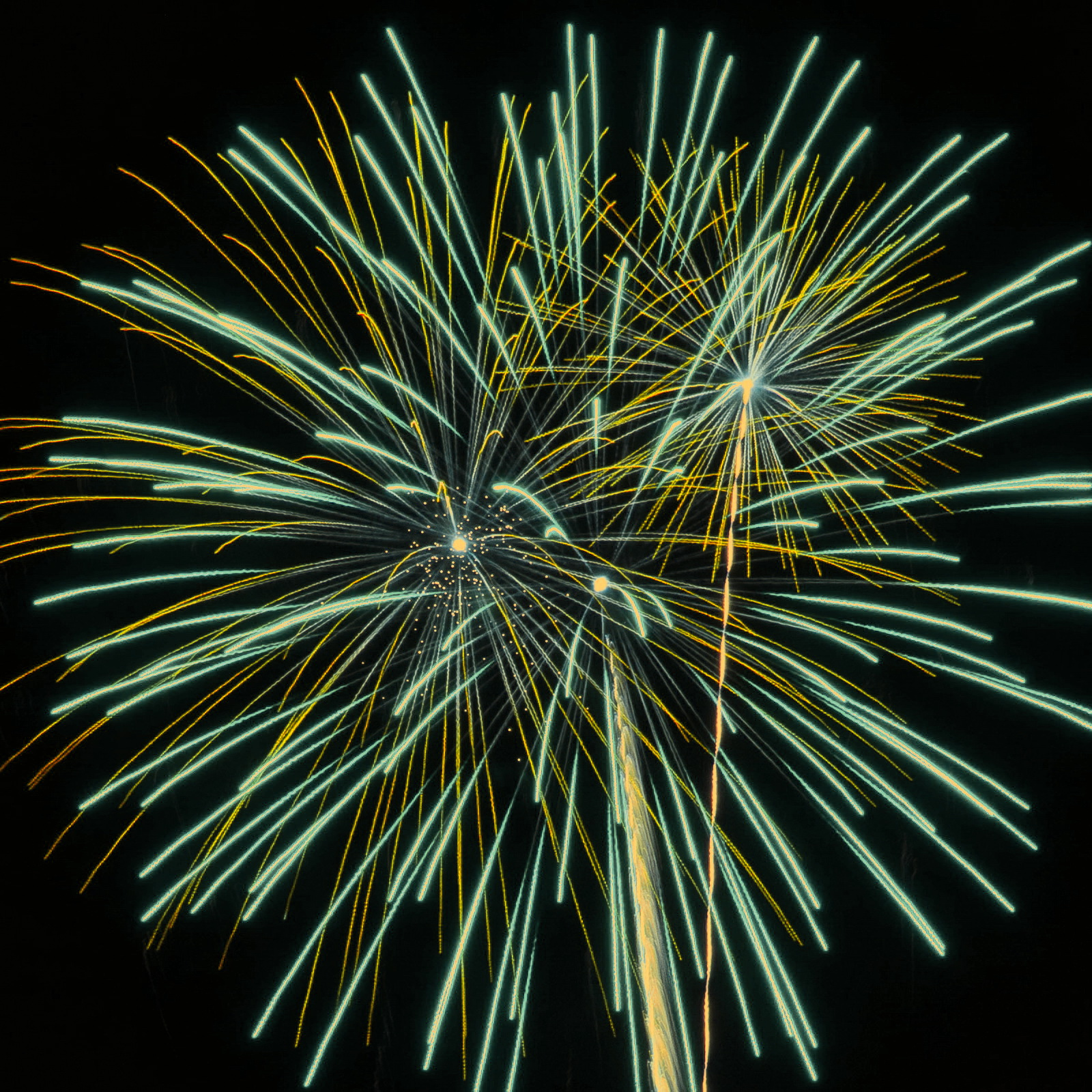 Massachusetts Fireworks: Unusual Green and yellow
