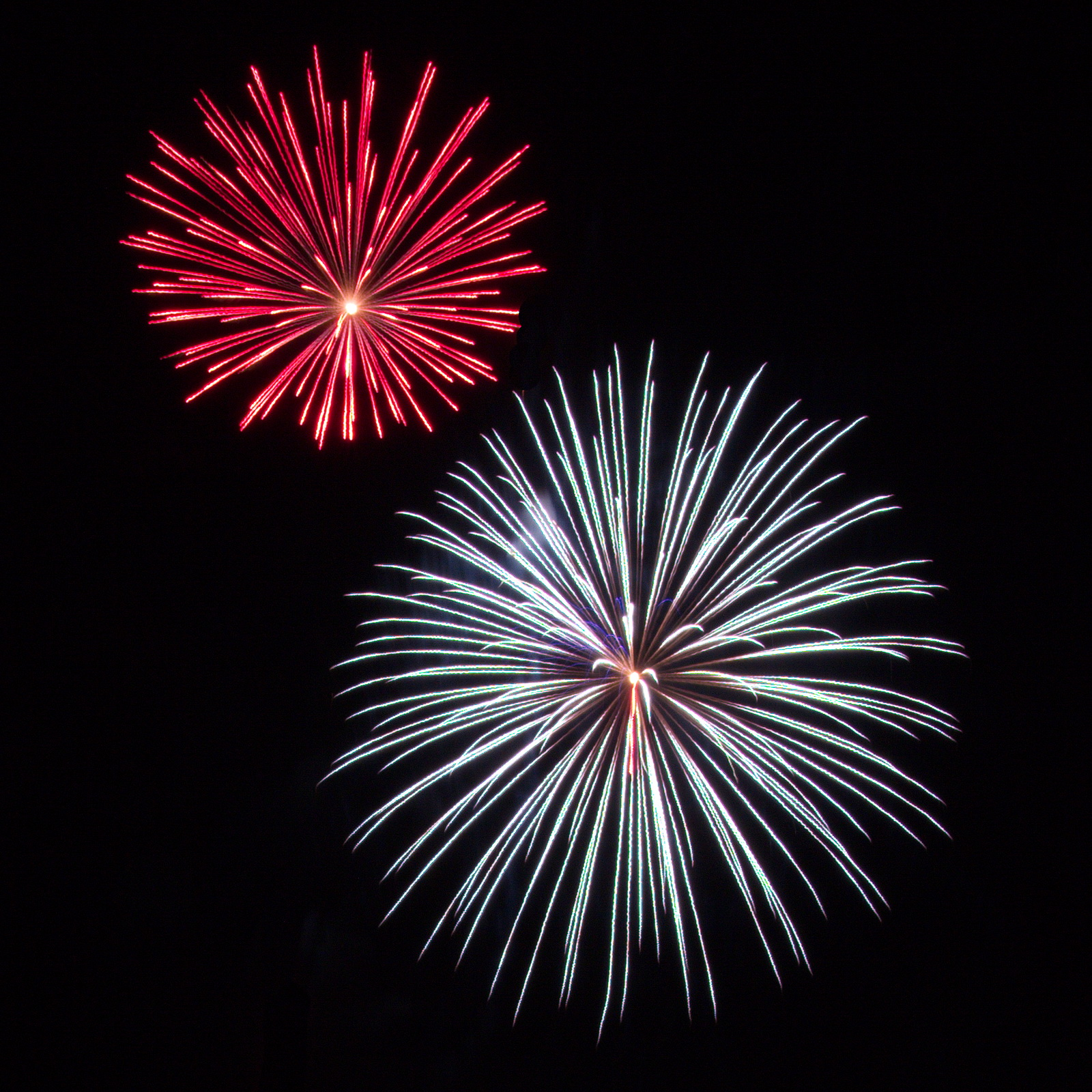 Northeast Massachusetts Fireworks: red and white bursts