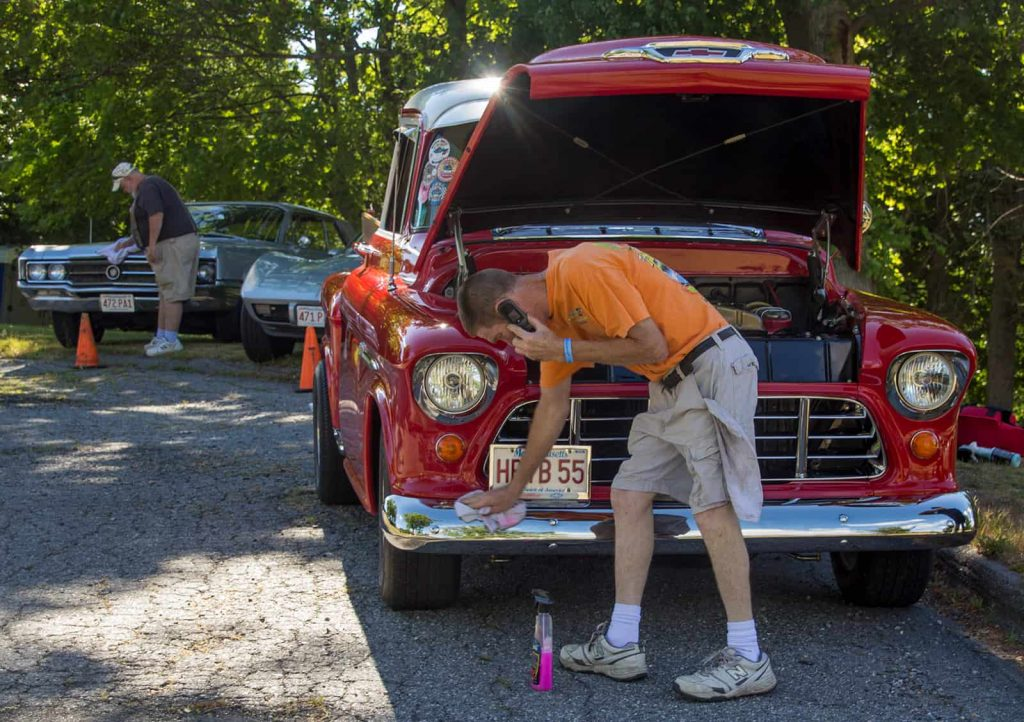 2016 Cars of Summer - 55 Chevy Pick-Up Polishing the Chrome